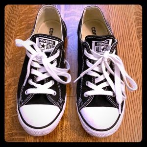 Women's slim converse shoes